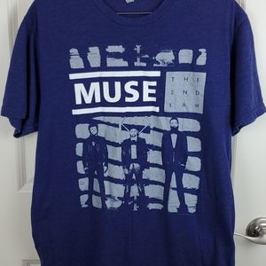 Muse graphic tee size L